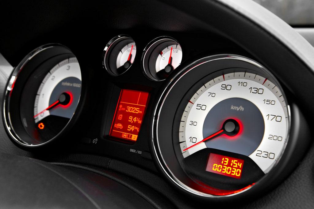 Peugeot 308 fährt 1689 Kilometer mit einer Tankfüllung