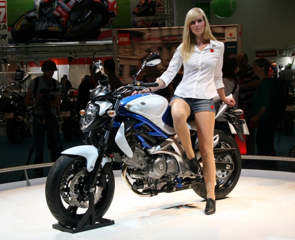 Suzuki präsentiert die Gladius 650 und die M 1500