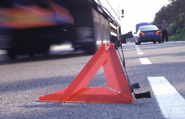 TÜV Rheinland warnt vor gefährlichen Warndreiecken