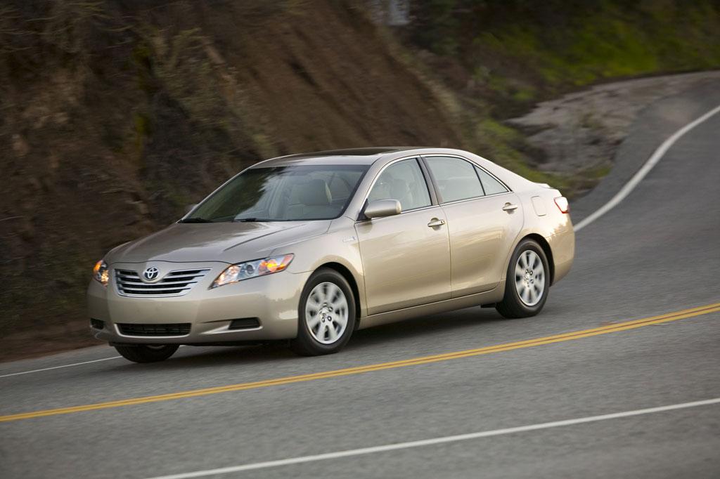 Toyota zeigt Erdgas-Hybrid