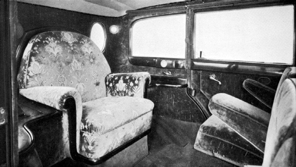 W 08: Vorgestellt auf der Automobilausstellung in Paris 1928 als Mercedes-Benz Nürburg 460; erstes Papamobil - Papst Pius XI.