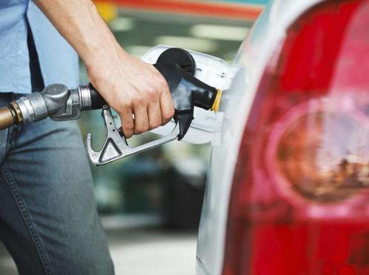 AvD: Kraftstoff ist noch zu teuer
