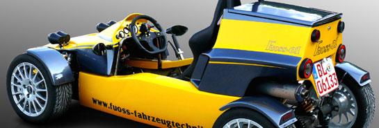 Fuoss 01   Offener Einsitzer mit Mittelmotor