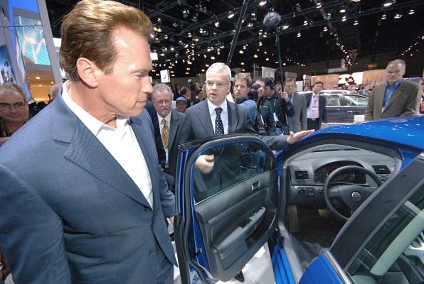 Gouverneur Schwarzenegger besucht deutsche Autohersteller