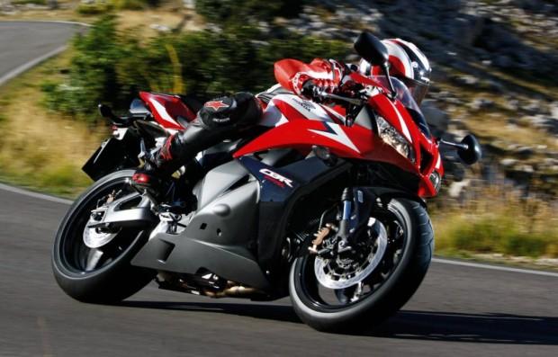 Hondas Supersportler mit ABS in Spanien testen