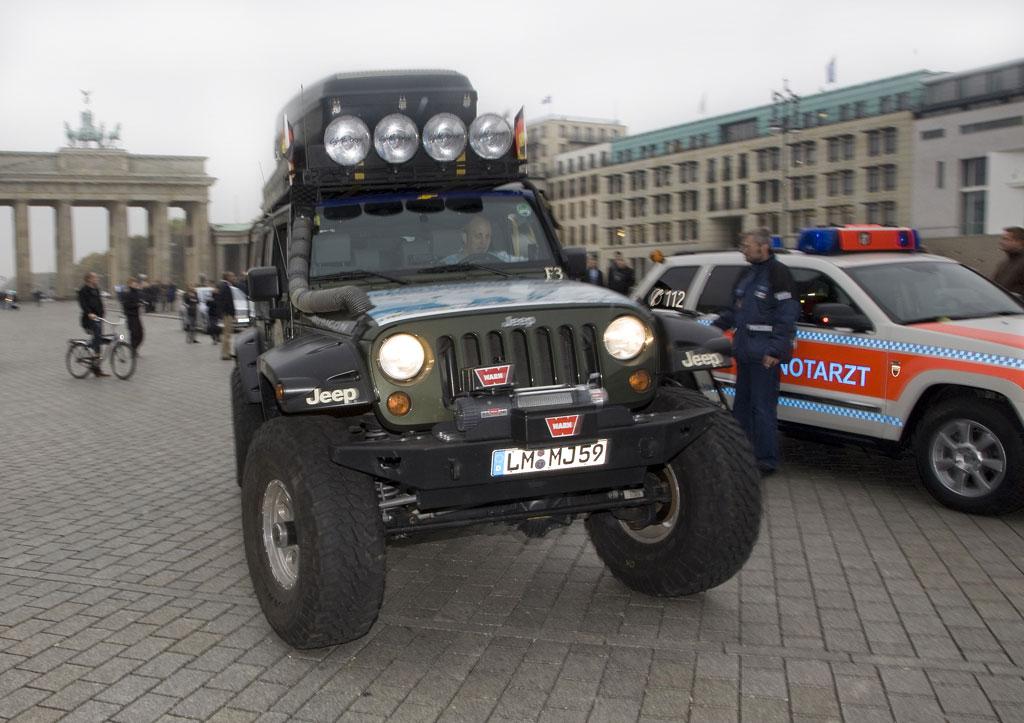 Im Jeep von Paris nach New York
