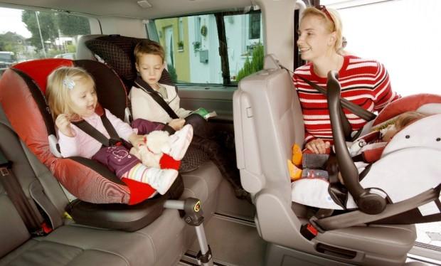 Ohne Gurt darf niemand im Auto mitfahren
