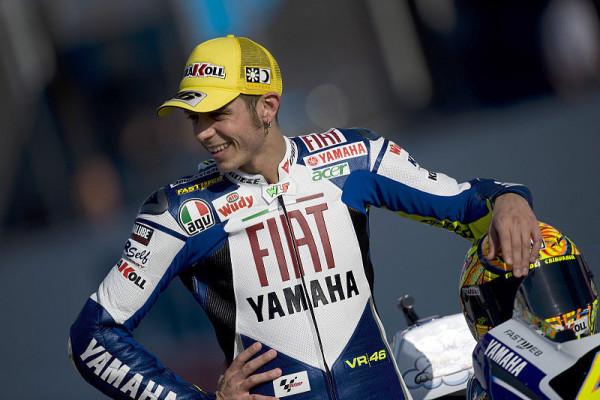 Rossi sieht Bestzeit als mentalen Vorteil: Entspannter Urlaub mit Platz eins