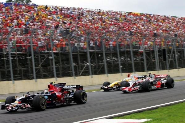 Vettel souverän, Bourdais im Pech: Zum Abschied auf Rang vier