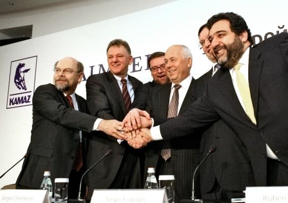 Daimler übernimmt 10 Prozent an Kamaz