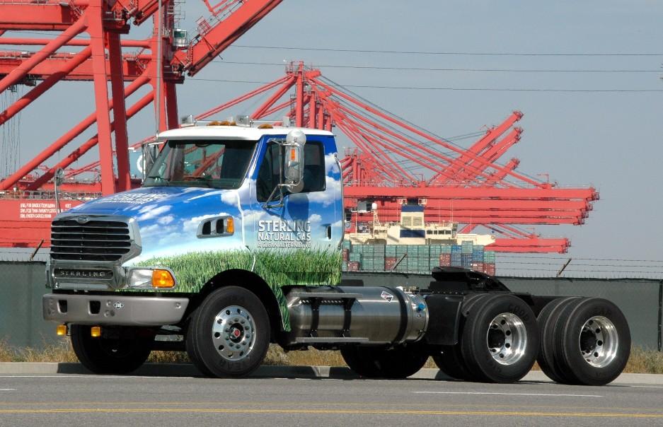 Daimler liefert in Amerika 232 Erdgas-Lkw aus