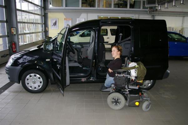 Fahrzeugumrüstung für Kleinwüchsige: ''Endlich selbst Auto fahren''