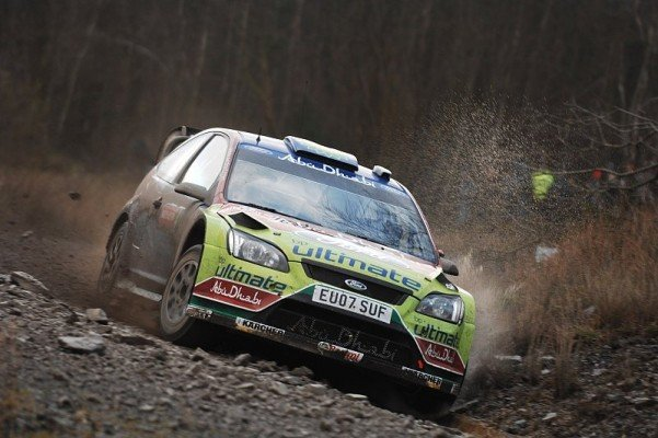 Rallye Wales: 1. Tag: Totales Durcheinander