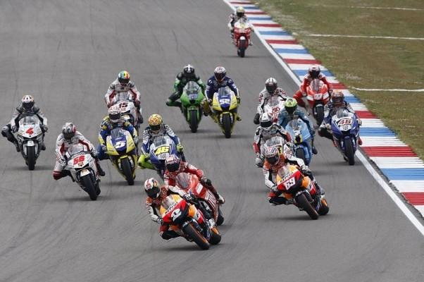 Regeländerungen in der MotoGP: Das Alter, die Reifen und Helmpflicht