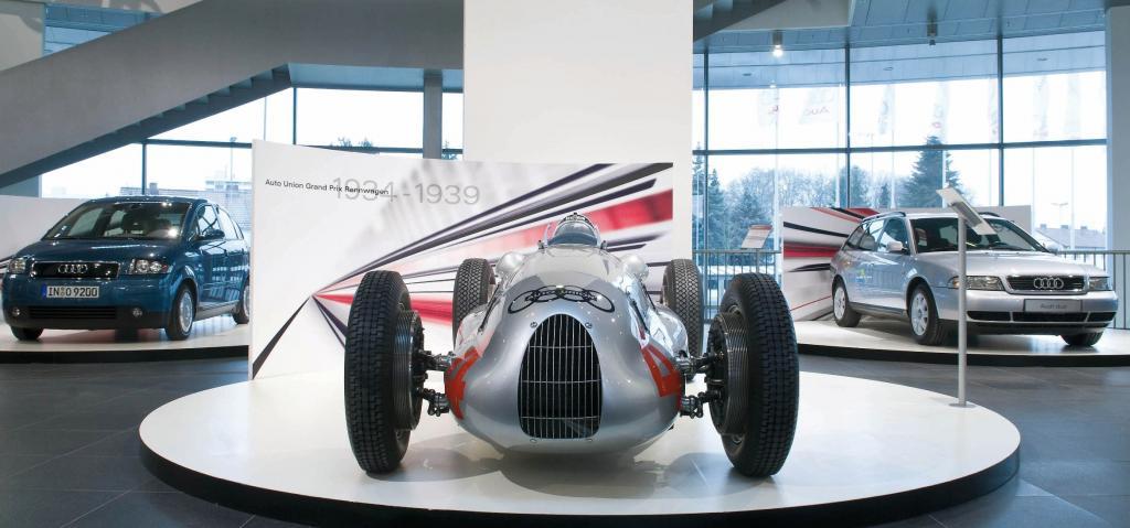 """""""Treffen der Generationen"""" im """"Audi Museum Mobile"""""""
