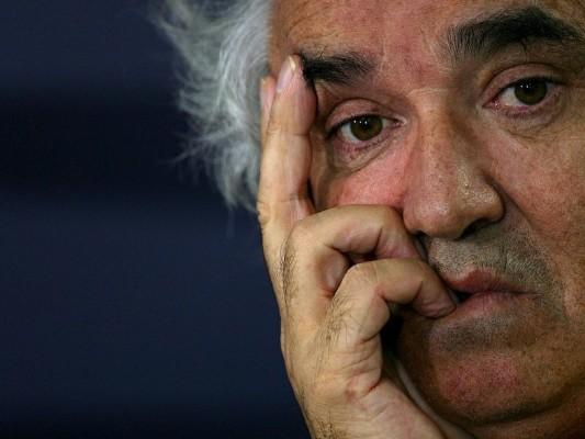 Briatore dementiert Ausstiegsgerüchte: Briatore will sicher gehen, dass die Formel 1 überlebt