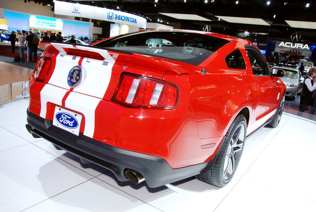Detroit 2009: Ford demonstriert Stärke und Sparsamkeit