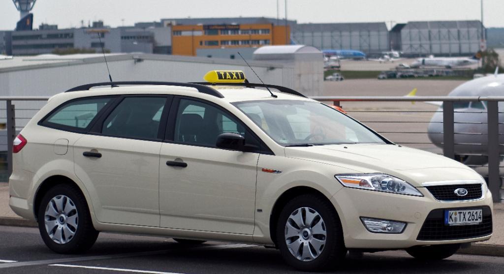 Ford bietet Finanzierungsangebot für Taxi- und Fahrschulbetriebe