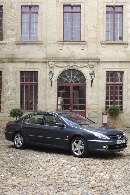 Peugeot bietet ab Werk Vollausstattung für den 607