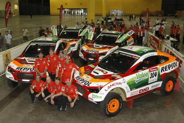 Rallye Dakar: Die Mitsubishi Ralliart vom Team Repsol sind gut gerüstet