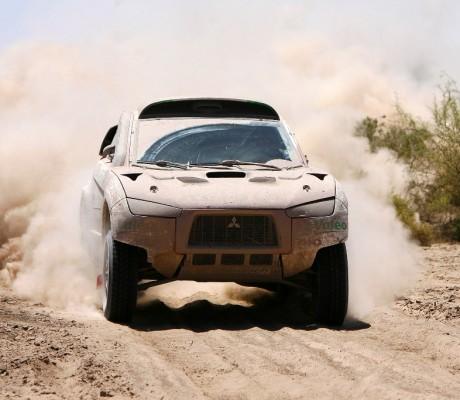 Rallye Dakar: Mitsubishi nur noch mit einem Auto im Rennen