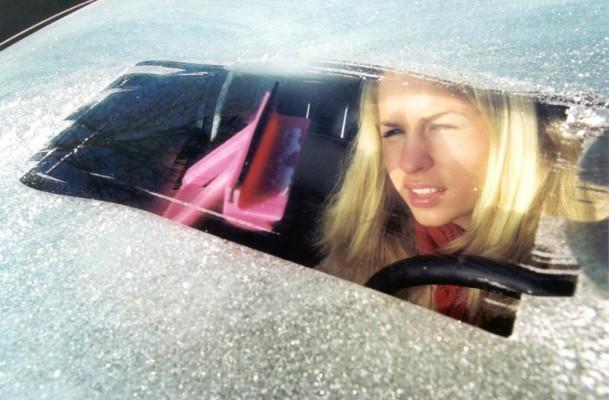 Ratgeber: Autoscheiben eisfrei bekommen
