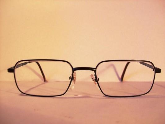 Ratgeber: Richtige Brille für Auto- und Motorradfahrer
