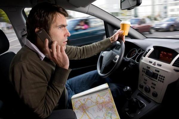 Recht: Handy-Verbot auch auf dem Seitenstreifen