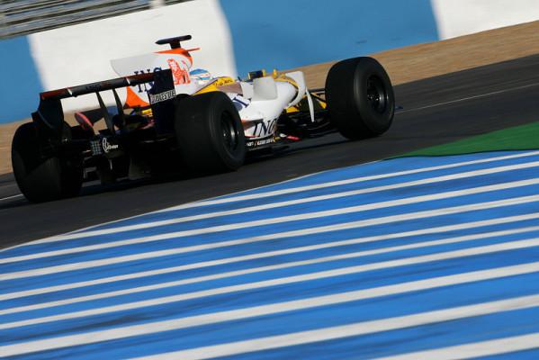 Uneinigkeit über Freitagstraining: Webber vs. Alonso