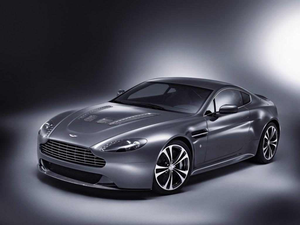Aston Martin Vantage mit Zwölfzylindermotor