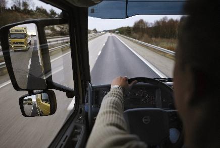 Auszeichnung für mutigen Lkw-Fahrer
