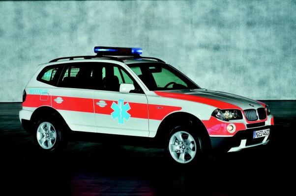 BMW X3 als Notarztauto