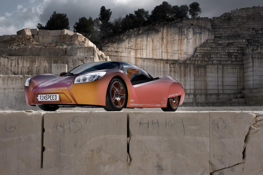 Elektroauto-Studie mit flexibler Karosserie