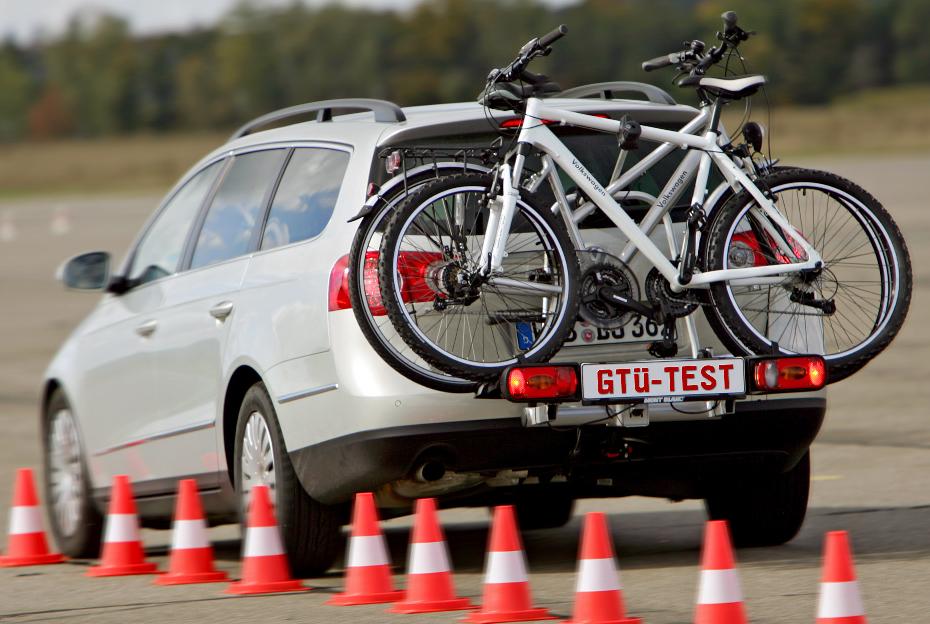 GTÜ testet sechs Fahrradträger fürs Auto