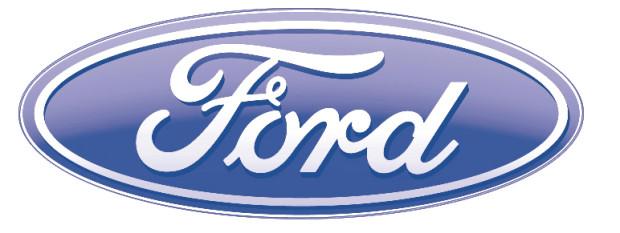 Mattes überreicht Scheck zum zehnJährigen Ford-Tuxi-Jubiläum