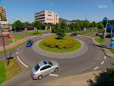 Service: Video - Richtig fahren im Kreisverkehr