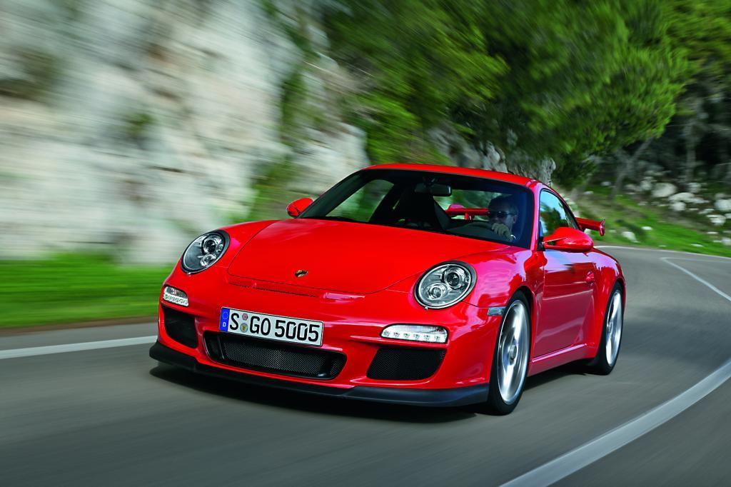 Service: Über 80 Fahrzeugpremieren in Genf