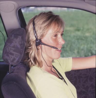 Trotz Freisprecheinrichtung: Telefonieren während Autofahrt gefährlich