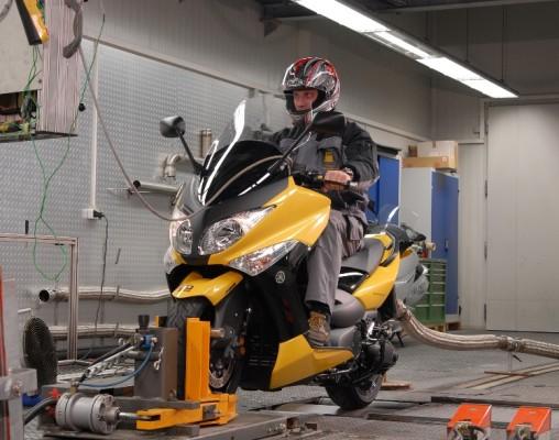 ADAC testete 15 Motorroller