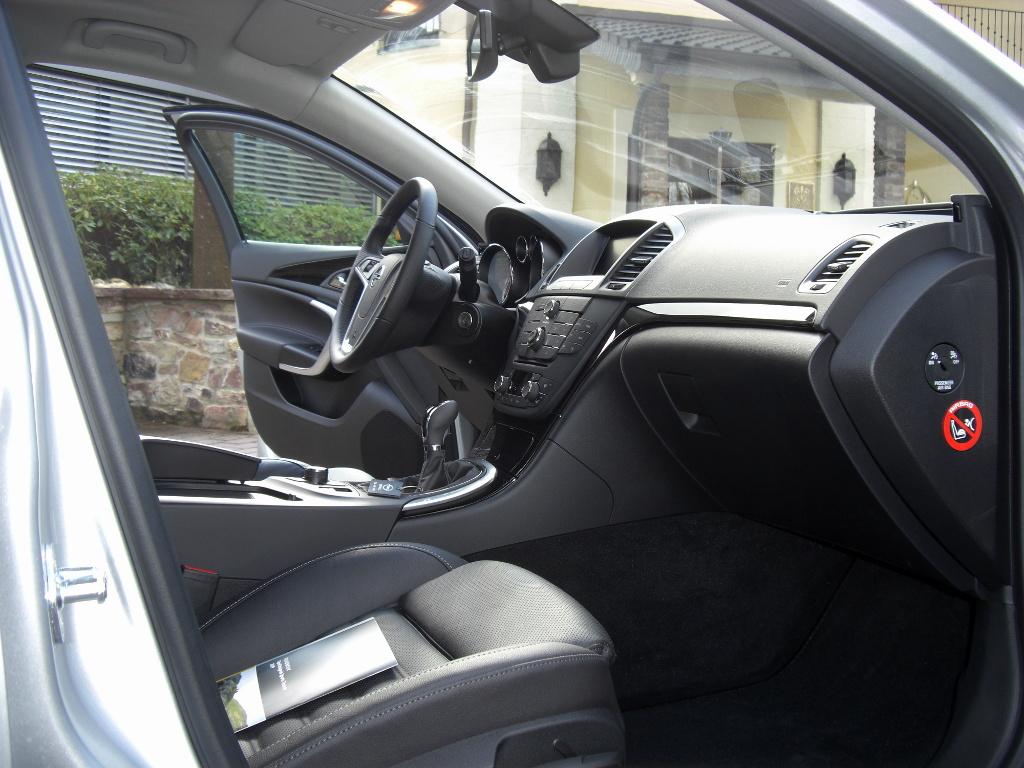 Erstkontakt Opel Insignia Sports Tourer: Lifestyle-Kombi mit Charakter