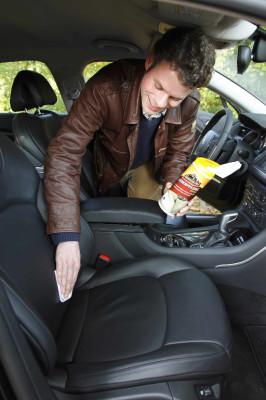 Frühjahrspflege: Effektivpflege für Auto und Motorrad