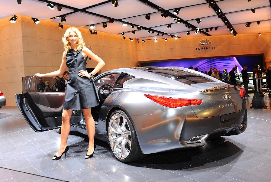 Genf 2009: Infiniti präsentiert G 37 Cabrio und Hybrid-Studie