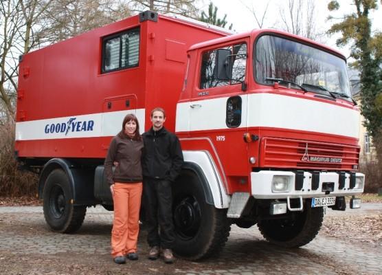 Goodyear unterstützt Weltreise im alten Lkw