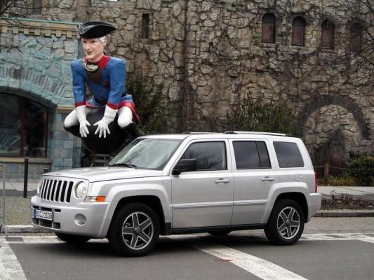 Jeep Patriot: Mit dem Navi zur Autogas-Tanke