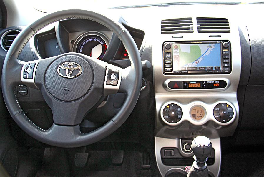 Toyota - Urban Cruiser - Bild(3)