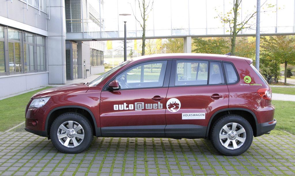 VW mit dem Tiguan ''auto@web'' auf der Cebit
