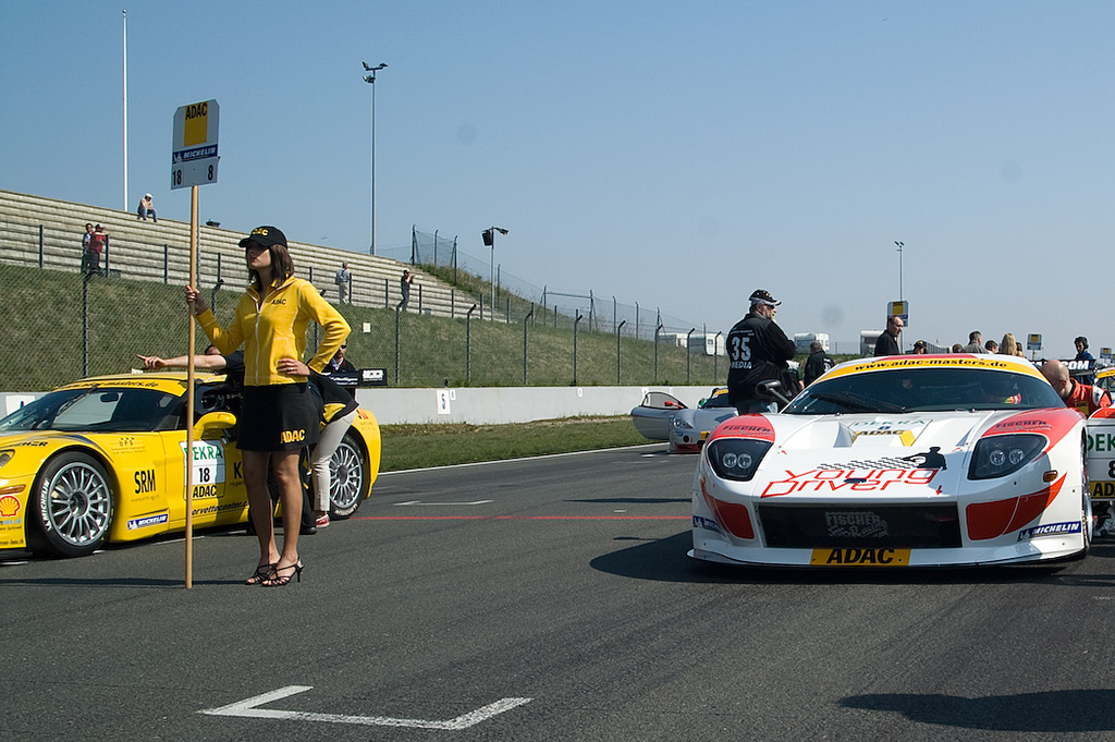 ADAC GT Masters in Oschersleben mit spektakulären Fahrerkombinationen