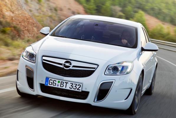 Barcelona 2009: Opel präsentiert den Insignia OPC