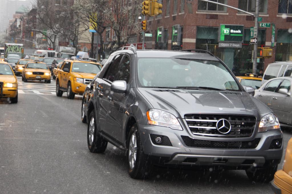 New York 2009: Mit dem Mercedes-Benz ML 450 Hybrid durch Big Appel