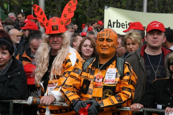 Rund 2000 demonstrierten vor der Conti-Hauptversammlung
